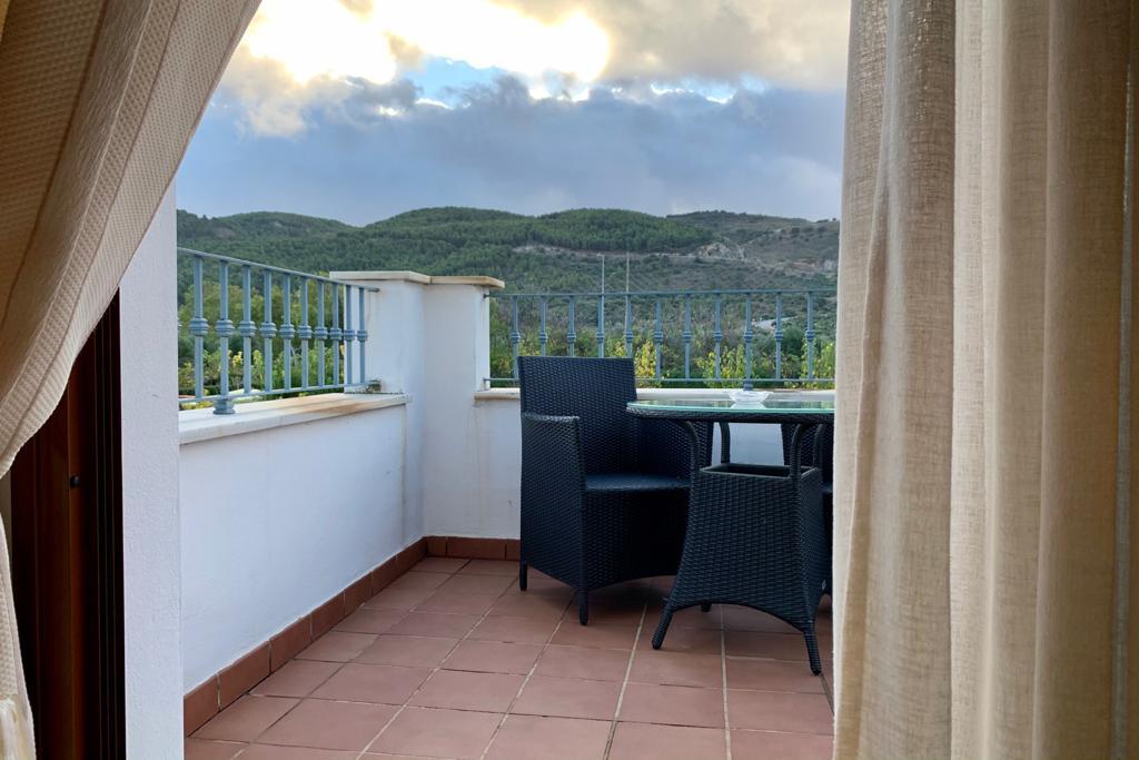 SUITE CON VISTAS EN MALAGA HOTEL LOS DOLMENES ANTEQUERA