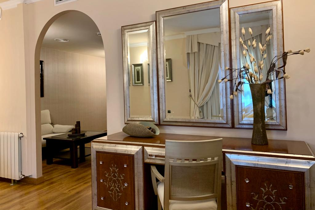 SUITE HOTEL ANTEQUERA LOS DOLMENES CON VISTAS